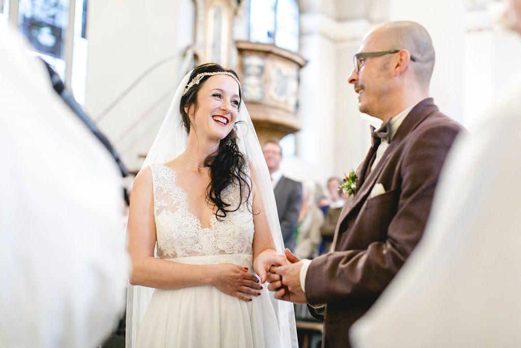 das Brautpaar beim Eheversprechen