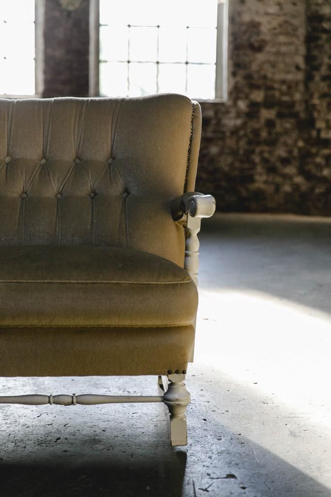 vintage Sofa im Gare du Neuss