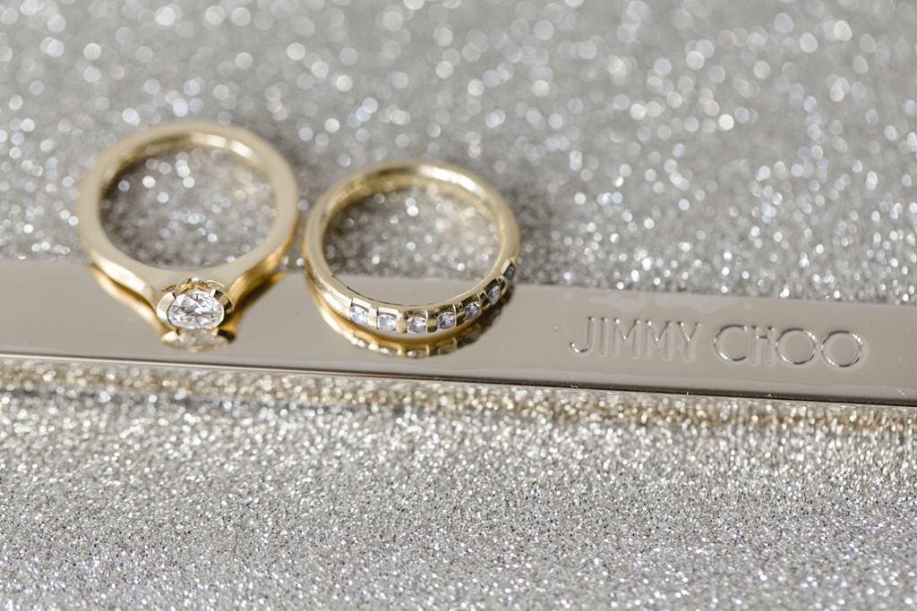 goldene Trauringe mit Diamanten