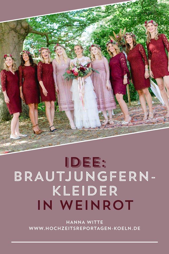 Schöne Hochzeitsidee: Brautjungfernkleider in Weinrot | Foto: Hanna Witte