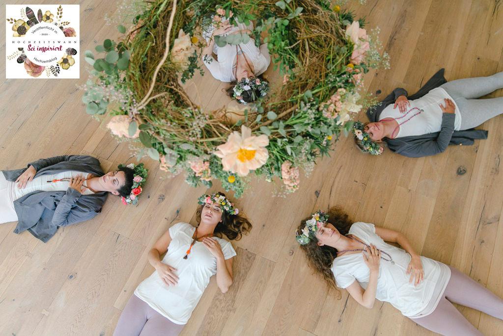 Hochzeitsidee Yoga Workshop beim Junggesellinnenabschied | Foto: Hanna Witte