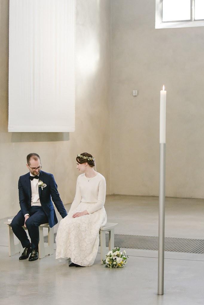 das Brautpaar während der Trauzeremonie in der Kirche | Foto: Hanna Witte