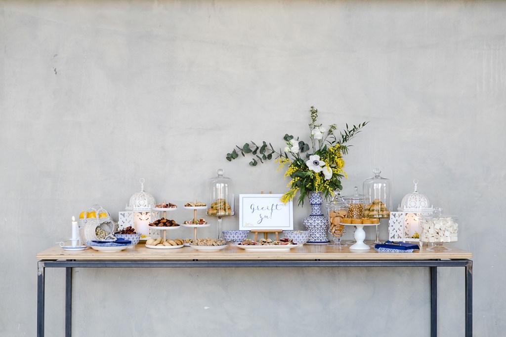 Orientalisch dekorierte Candy Bar bei einer urbanen Hochzeit | Foto: Hanna Witte