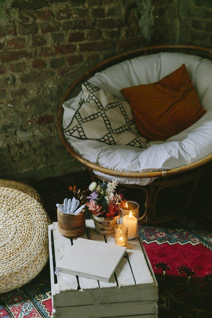 Hochzeitsidee: gemütliche Lounge Ecke | Foto: Hanna Witte