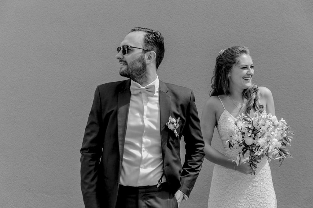 das Brautpaar vor seiner standesamtlichen Hochzeit in Aachen   Foto: Hanna Witte